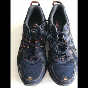 Men's Asics sneakers. Worn only a few times!